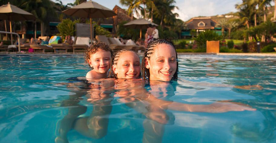 Guadeloupe Familie Ferien Pool Kinder