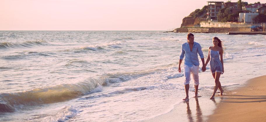 st. lucia flitterwochen paar strand romantik brautrabatt